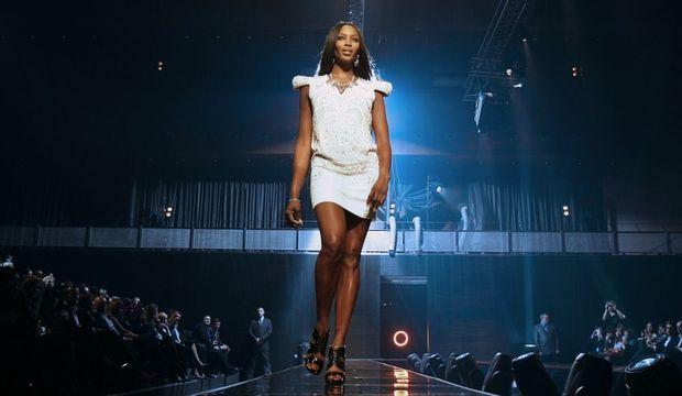 4-photos-conso-mode-Naomi Campbell--