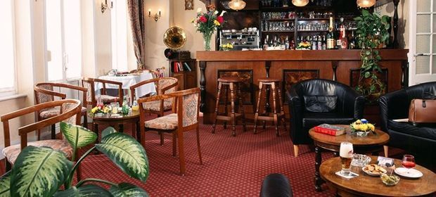 """Le bar des tontons"""