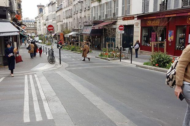 Rue des Martyrs, le 3 avril.