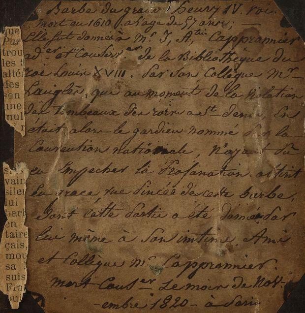 Notice figurant au dos du reliquaire contenant des poils de barbe attribués à Henri IV, vendus aux enchères le 19 septembre 2019 par la Maison Ader