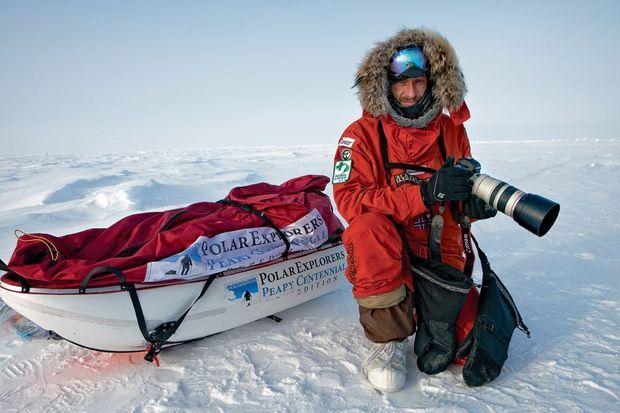 Sebastian Copeland, ambassadeur Napapijri, au pôle Nord.