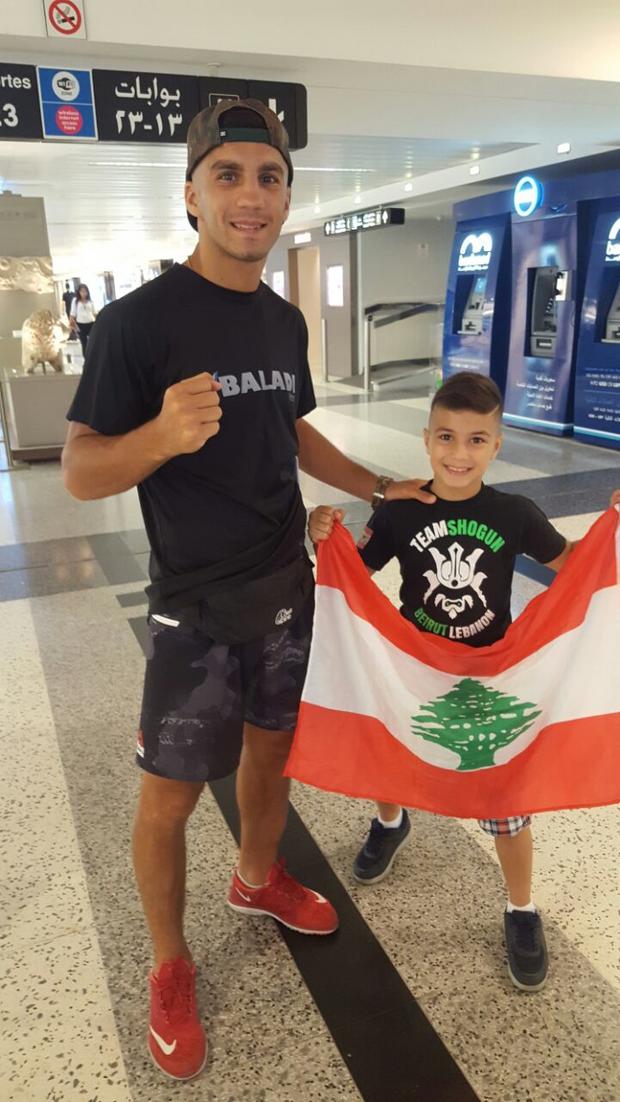 Ramadan Ondash et son frère Ahmad à l'aéroport Rafic Hariri à Beyrouth.