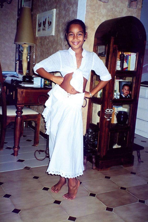 A 8 ans, elle adore la mode, danser et prendre la pose.