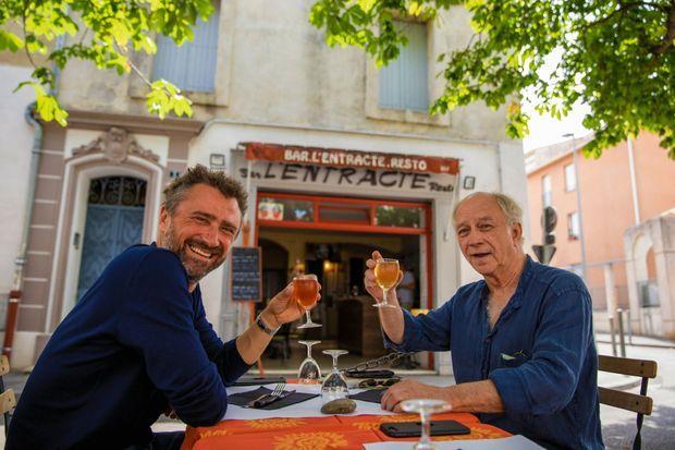 A Avignon avec Daniel Colas, le metteur en scène des « Funambules », qui se jouent au théâtre Les 3 soleils.