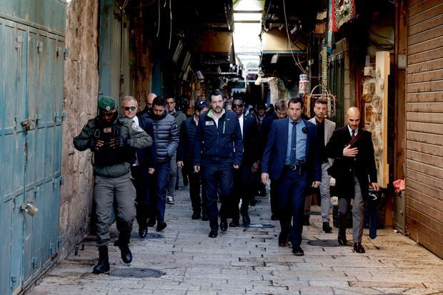 A Jérusalem, mi-décembre 2018, après avoir visité l'église du Saint-Sépulcre. Un voyage de deux jours pour réitérer son soutien à Israël.