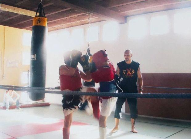 A l'âge de 13 ans, lors d'un entraînement au club de boxe des Angles (Gard).
