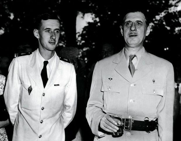 « A l'été 1945, je rejoins mon père, de passage à Washington, à Blair House, la résidence des hôtes du président américain. Je suivais alors un entraînement de pilotage d'aéronautique navale à Memphis. »