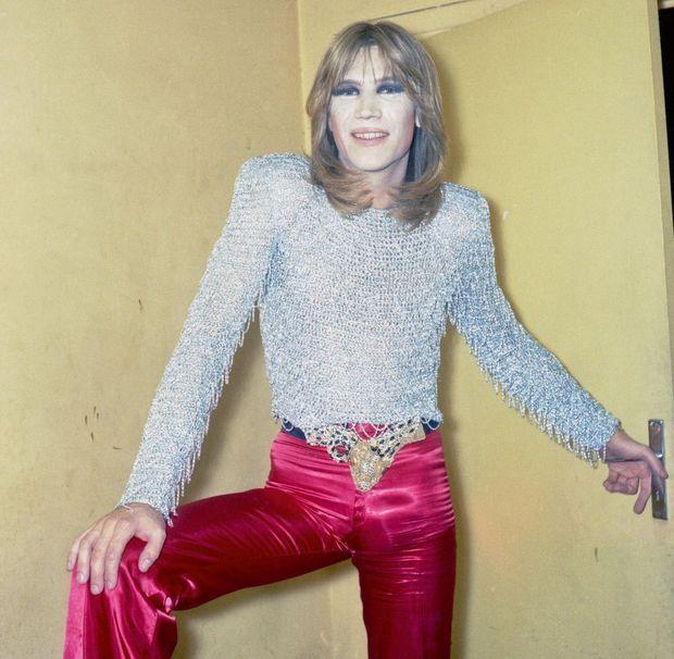 A la fin des années 1970. Il a vendu 25 millions d'albums mais, catalogué « chanteur à minettes », reste prisonnier de ses succès