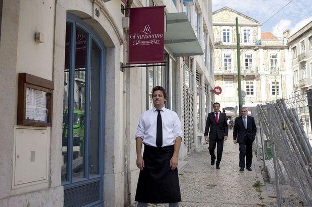 A La Parisienne, le restaurant français d'Olivier, en plein cœur de Lisbonne, on mange du bœuf bourguignon ou des tartares au couteau, faits maison.