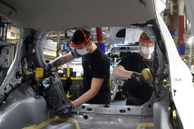 A Onnaing, dans le Nord, le 23 avril. La production de la Toyota Yaris a repris sur les chaînes du constructeur japonais.
