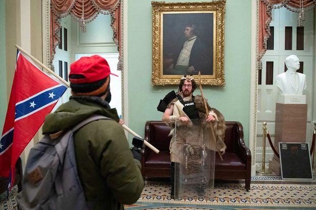 Aaron Mostofsky a été photographié dans le Capitole.
