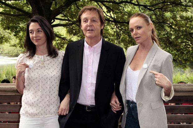 Mary, Paul et Stella McCartney en 2009.