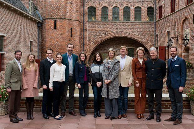 """Photo souvenir de la rencontre des """"héritiers"""" au château d'Het Loo aux Pays-Bas, le 2 mars 2013"""