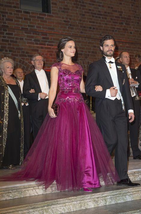 Sofia Hellqvist et le prince Carl Philip au dîner de gala des Nobel le 10 décembre 2014