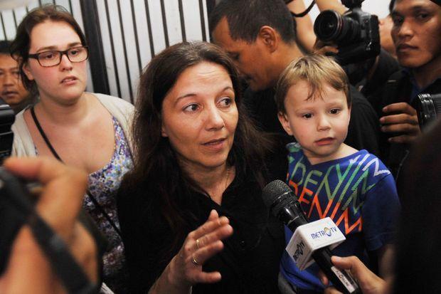 Sabine Atlaoui s'est provisoirement installée en Indonésie avec ses enfants pour soutenir son mari.
