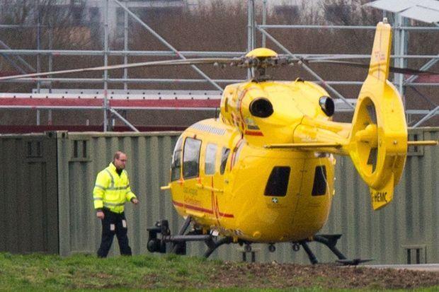 Le prince William a repris son travail de pilote d'hélicoptère-ambulance à Cambridge, le 12 janvier 2016