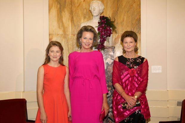 La reine Mathilde et la princesse Élisabeth de Belgique avec la princesse Margaretha de Liechtenstein à Bruxelles, le 28 mai 2016
