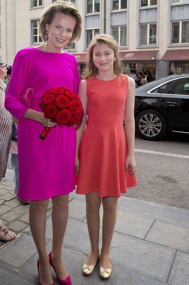 La reine des Belges Mathilde et la princesse Élisabeth de Belgique à Bruxelles, le 28 mai 2016
