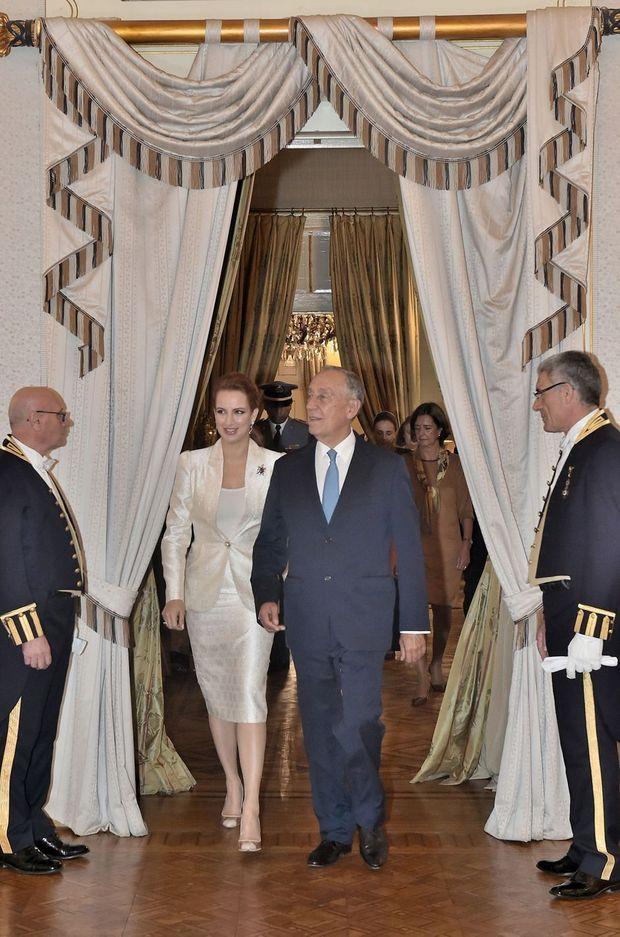 La princesse Lalla Salma du Maroc avec le président portugais Marcelo Rebelo de Sousa à Lisbonne, le 21 octobre 2016