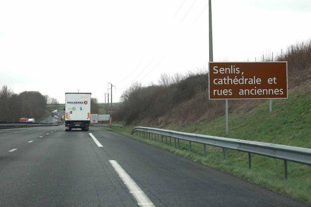 Les lieux de l'accident sur l'autoroute A1, pres de Senlis (Oise), France, le 6 mars 2017
