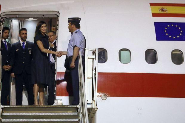La reine Letizia d'Espagne à son arrivée au Mozambique, à Maputo le 28 avril 2019
