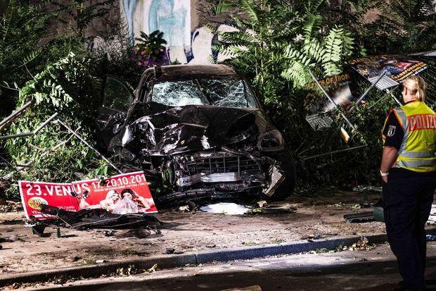 Un SUV Porsche détruit lors d'un accident qui a fait quatre morts, le 7 septembre à Berlin. Le drame a amplifié le mouvement de protestation contre les SUV en Allemagne.