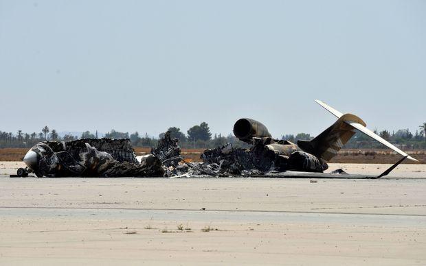 Les dégâts causés par l'offensive des milices de Misrata contre celles de Zintan à l'aéroport de Tripoli en juillet 2014