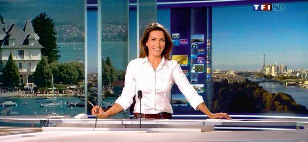 Sur le plateau du JT de TF1 en juillet 2012.