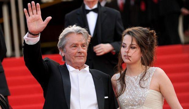 Alain Delon et sa fille Anouchka au Festival de Cannes en 2010.