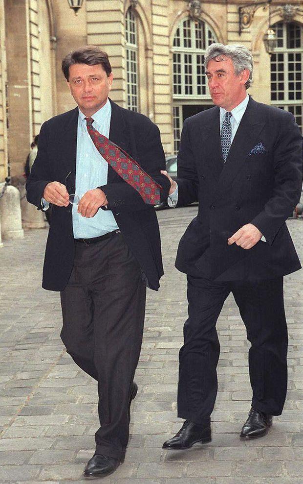Alain Madelin et Claude Goasguen à Matignon, le 22 avril 1997, avant que la gauche ne remporte les législatives.