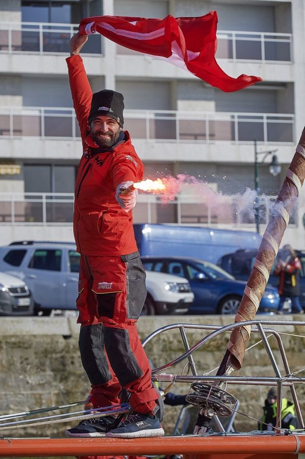 Le skipper Alan Roura, La Fabrique, célébrant son arrivée du Vendee Globe, le 12 Février 2021.