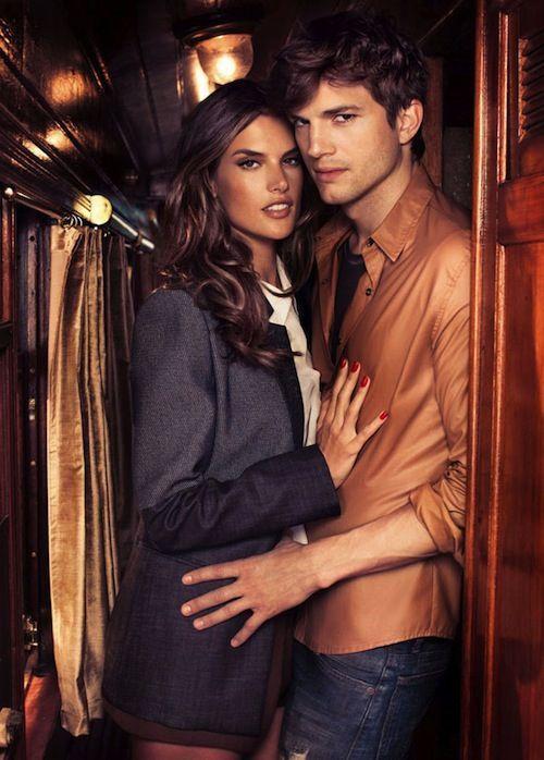 Alessandra Ambrosio pose avec Ashton Kutcher en 2011