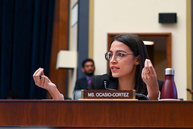 Alexandria Ocasio-Cortez mercredi lors de l'audition de Mark Zuckerberg à la Chambre des représentants, à Washington.