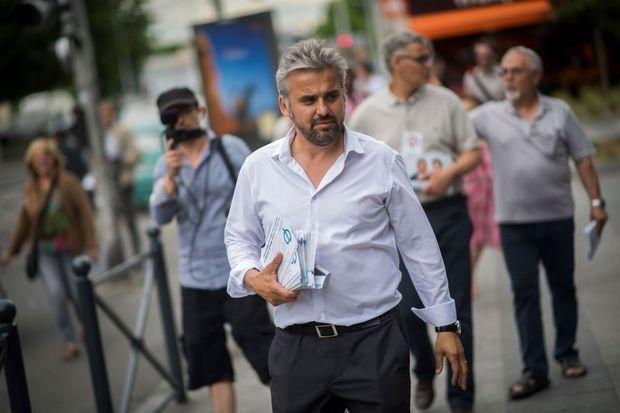 Alexis Corbière en campagne le 2 juin dernier.