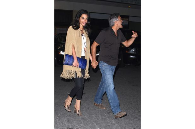 Amal Clooney en cape Saint Laurent.