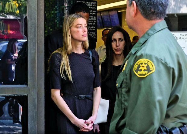 Amber Heard au tribunal de Los Angeles, le 27 mai 2016. Son année de mariage va lui rapporter 7 millions de dollars.