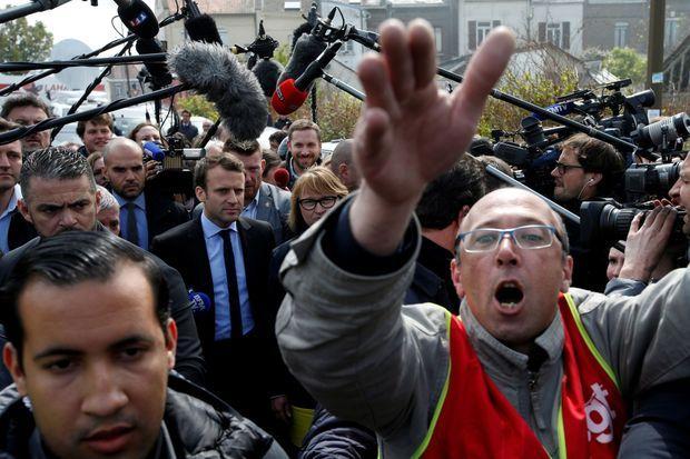 Emmanuel Macron lors de sa visite à Whirlpool à Amiens