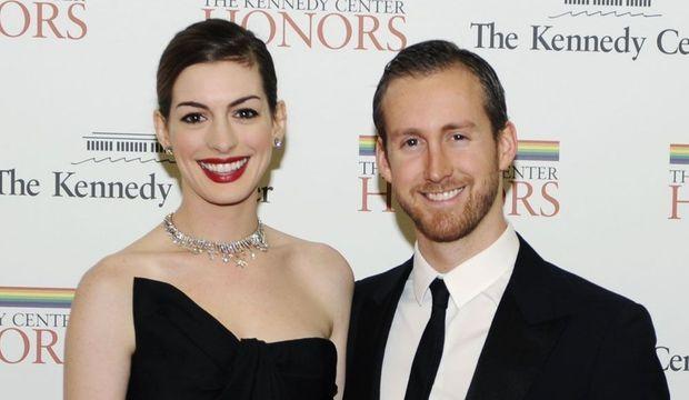 Anne Hathaway et Adam Shulman-