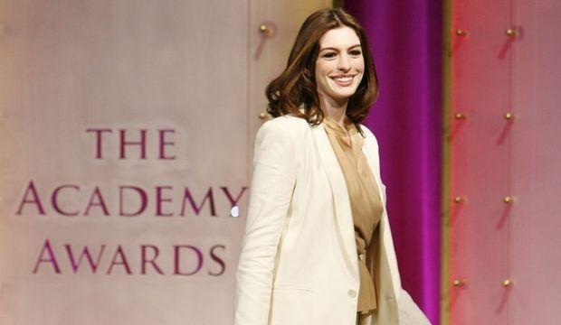 Anne Hathaway-