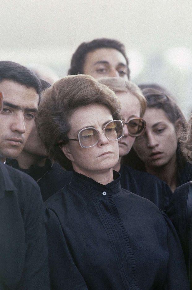 Jihane el-Sadate, la veuve du président égyptien, lors des funérailles nationales de son époux, le 10 octobre 1981.