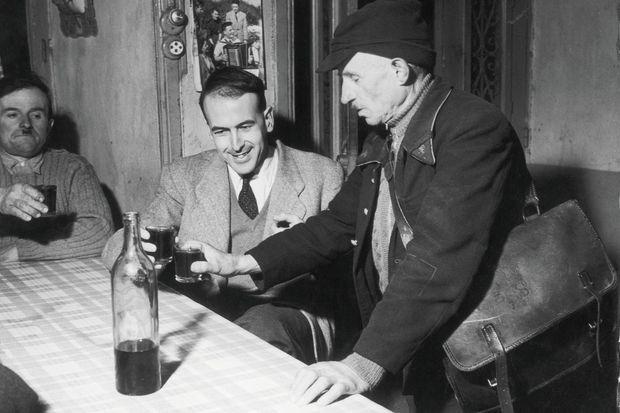 Après la dissolution de l'Assemblée, il se lance dans la campagne des législatives de 1956 à 29 ans. Dans sa circonscription du Puy-de-Dôme, il boit dans les cafés les coups de rouge rituels, prenant la relève de son grand-père Jacques Bardoux.