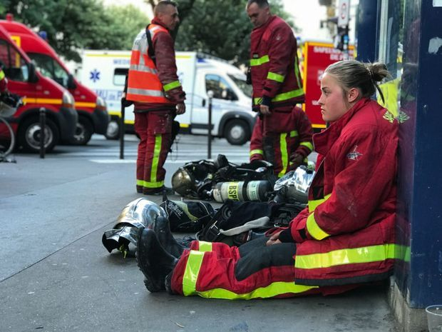 Après une intervention dans un immeuble en flammes du XIe arrondissement, le 22 juin. L'incendie a fait 3 morts et 27 blessés