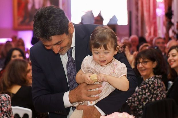 Aram avec sa fille Nina, au Palais du Pharo de Marseille, le 26 octobre 2019.