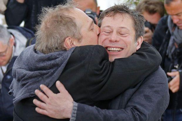 Arnaud Desplechin embrasse son acteur fétiche, Mathieu Amalric.