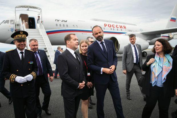 Au Havre, le 24 juin. Avec son homologue le Premier ministre russe, Dmitri Medvedev, en visite officielle.