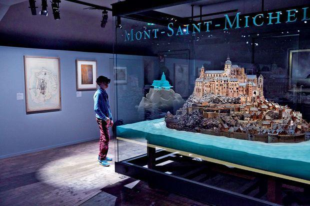 Au musée des Plans-reliefs aux Invalides, à Paris, cette maquette du Mont-Saint-Michel, chef-d'œuvre du XVIIe siècle, « s'anime » sous nos yeux