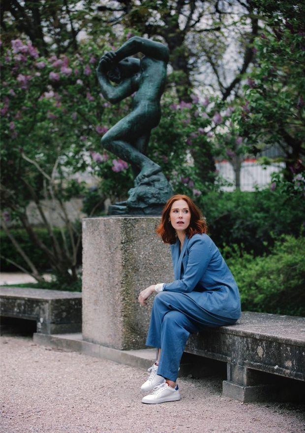 Au pied du bronze « La méditation » dans le jardin du musée Rodin, un des lieux culturels préférés d'Audrey Fleurot.
