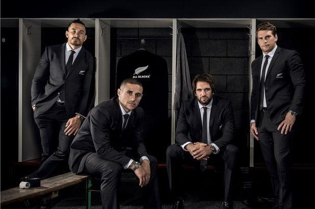 Au poignet de l'élite du rugby le modèle Tudor Black Bay Dark.