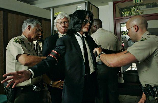 Au tribunal de Santa Maria, en Californie, lors du procès qu'il gagnera, le 13 juin 2005