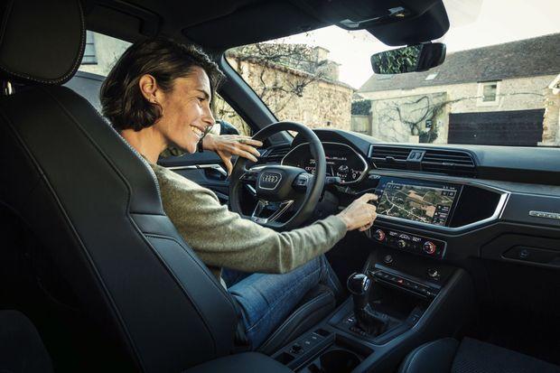 Au volant de l'Audi Q3.